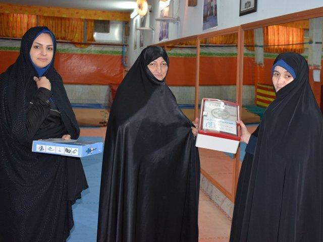 اهداء و  نصب جعبه کمکهای اولیه در هیئت ها و باشگاهها استان قم