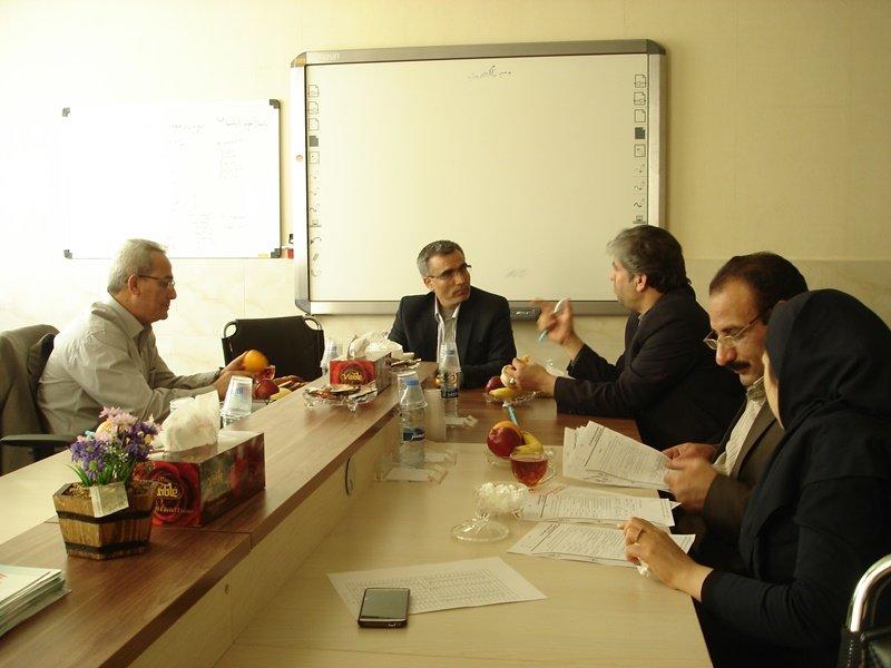آخرین جلسه هیات رئیسه هیات پزشکی ورزشی استان مرکزی
