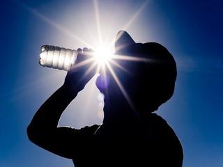 نقش آب آشامیدنی در پیشگیری از آسیب های ورزشی