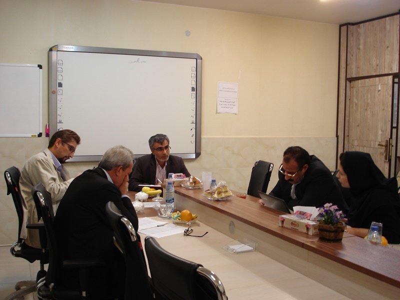 نشست هیات رئیسه استان مرکزی برگزار شد .