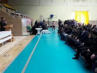 مراسم گلریزان به منظور کمک به زلزله زدگان
