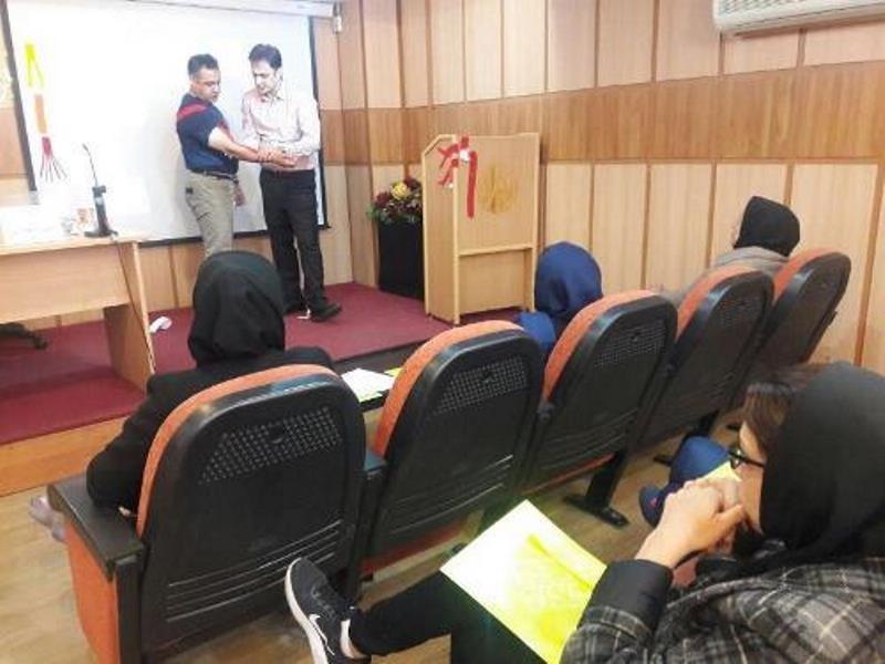 برگزاری دوره کینزیوتیپ ویژه پزشکان و فیزیوتراپیستها با تدریس دکتر امین نوروزی