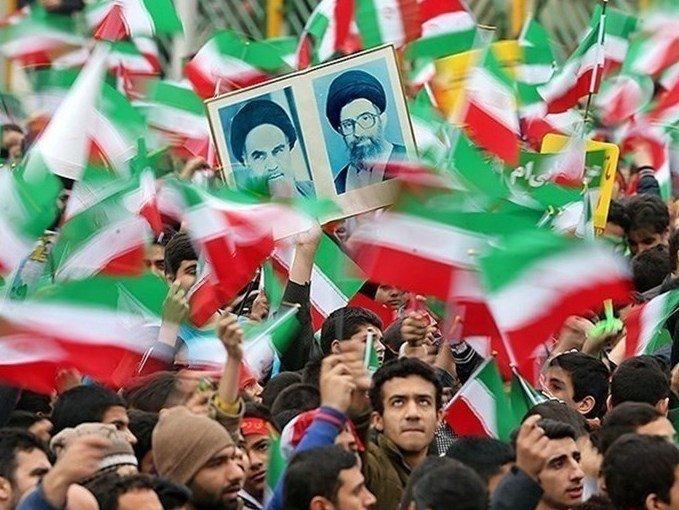 حضور باشکوه در راهپیمایی ۲۲ بهمن