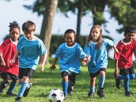 تشویق کودکان به ورزش