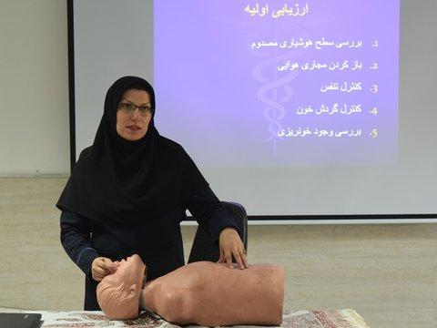 کارگاه آموزشی احیاء و کمک های اولیه در سرخه سمنان برگزار شد