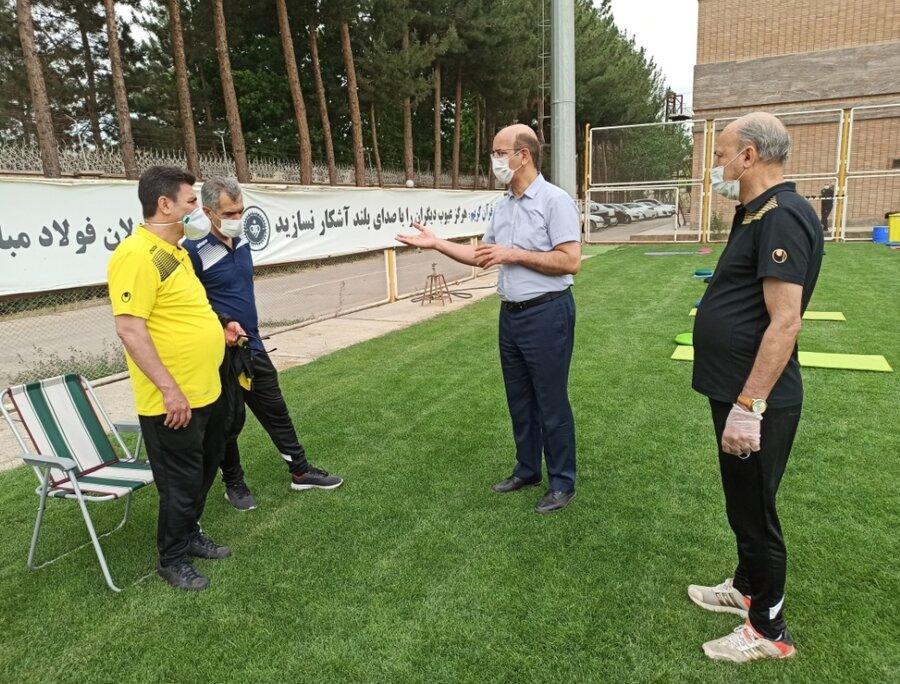 حضور رئیس هیات پزشکی استان  در تمرین تیم های سپاهان و ذوب آهن