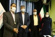 مدال قهرمان ملی مبارزه با کرونا به دکتر رضایی اعطا شد
