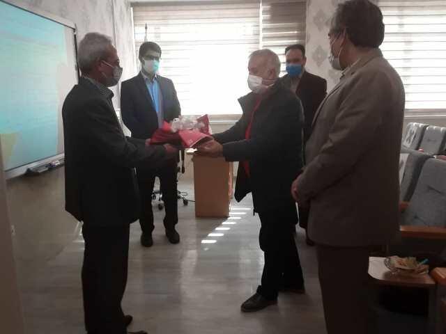 تقدیر کارکنان هیات پزشکی ورزشی استان مرکزی از رئیس هیات آقای دکتر ناصر عزیزی
