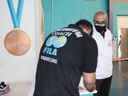 حضور افسرکنترل  سلامت وپزشکیار هیات پزشکی ورزشی فارس در اردوی تیم ملی کشتی نوجوانان