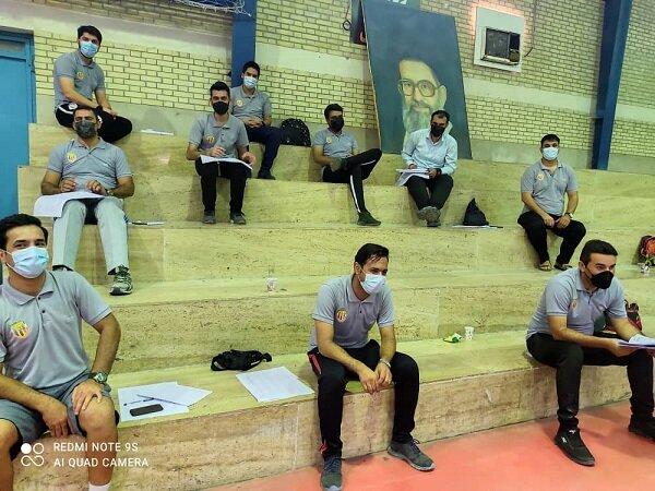 نظارت بر رعایت پروتکل های بهداشتی در دوره داوری والیبال نشسته هرمزگان