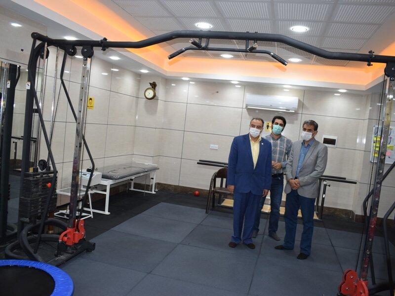 بازدید دکتر نوروزی از اولین مرکز تخصصی حرکات اصلاحی قم