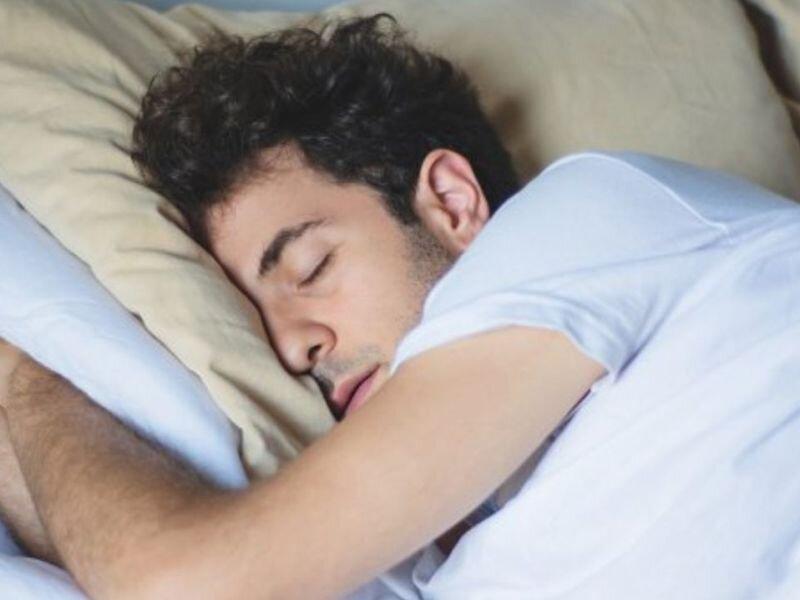 چگونه میتوانیم کمیت و کیفیت خوابمان را بهبود بخشیم؟