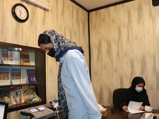 انجام معاینات پزشکی از تیم اعزامی کاراته بانوان فارس به مسابقات کشوری توسط دکتر تمدن نایب رئیس هیات پزشکی ورزشی استان